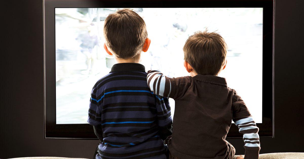 Как не испортить зрение ребенку при просмотре мультиков