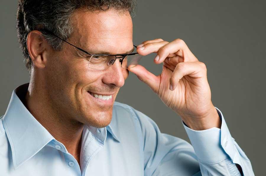 Брендовые мужские очки: где купить и как выбрать?