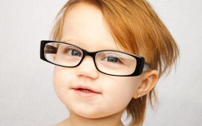 Очки для детей: с какого возраста носить, как выбирать, как приучать
